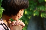 girl praying.jpg