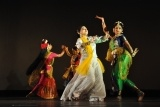 Optimized-AADance_with_Rabindra_Sangeet_-_Kolkata_2011-11-05_6669.JPG